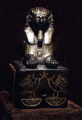 Statuette of a sphinx of King Tuthmosis III, New Kingdom