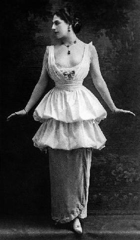 Margaretha Geertruida Zelle called Mata Hari dutch dancer and spy for the Germany